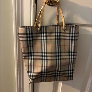 Authentic Burberry Bucket Bag Preowned